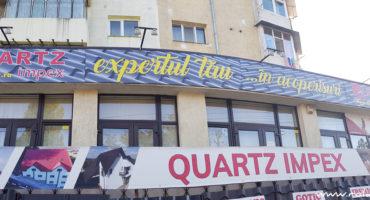 Print banere Quartz Impex Botosani si fixare pe cadre metalice.